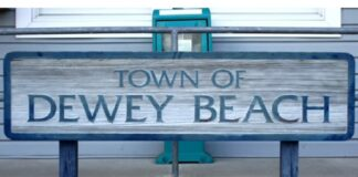 Dewey Beach sign Image © WGMD/Alan Henney